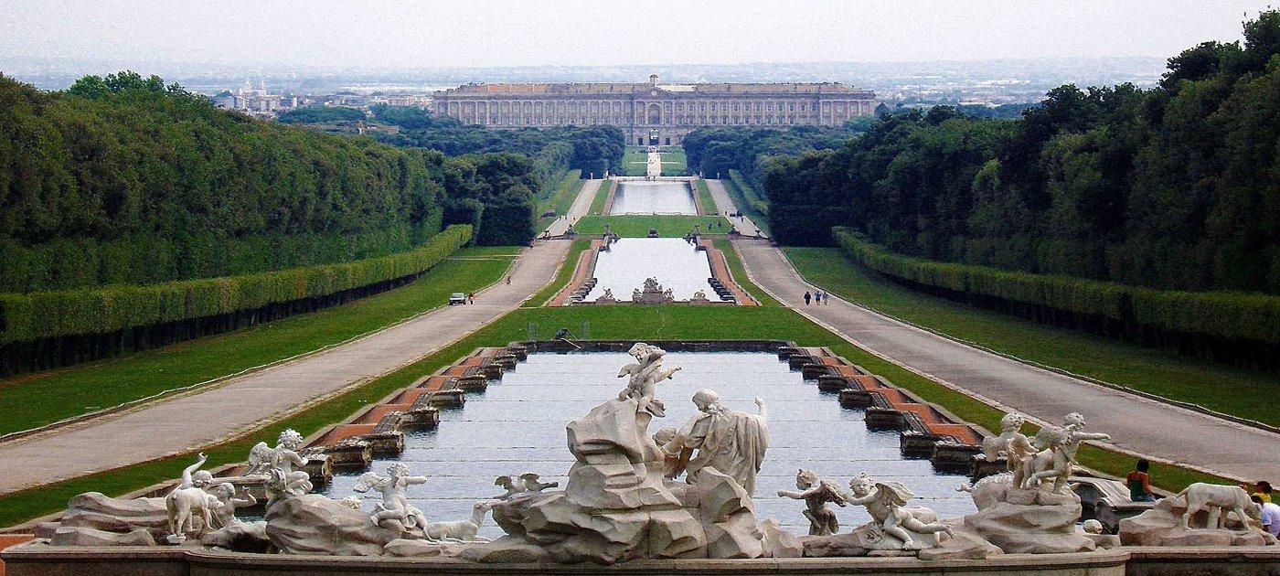 TOUR – DESIGNER OUTLET E REGGIA DI CASERTA – Paone Travel